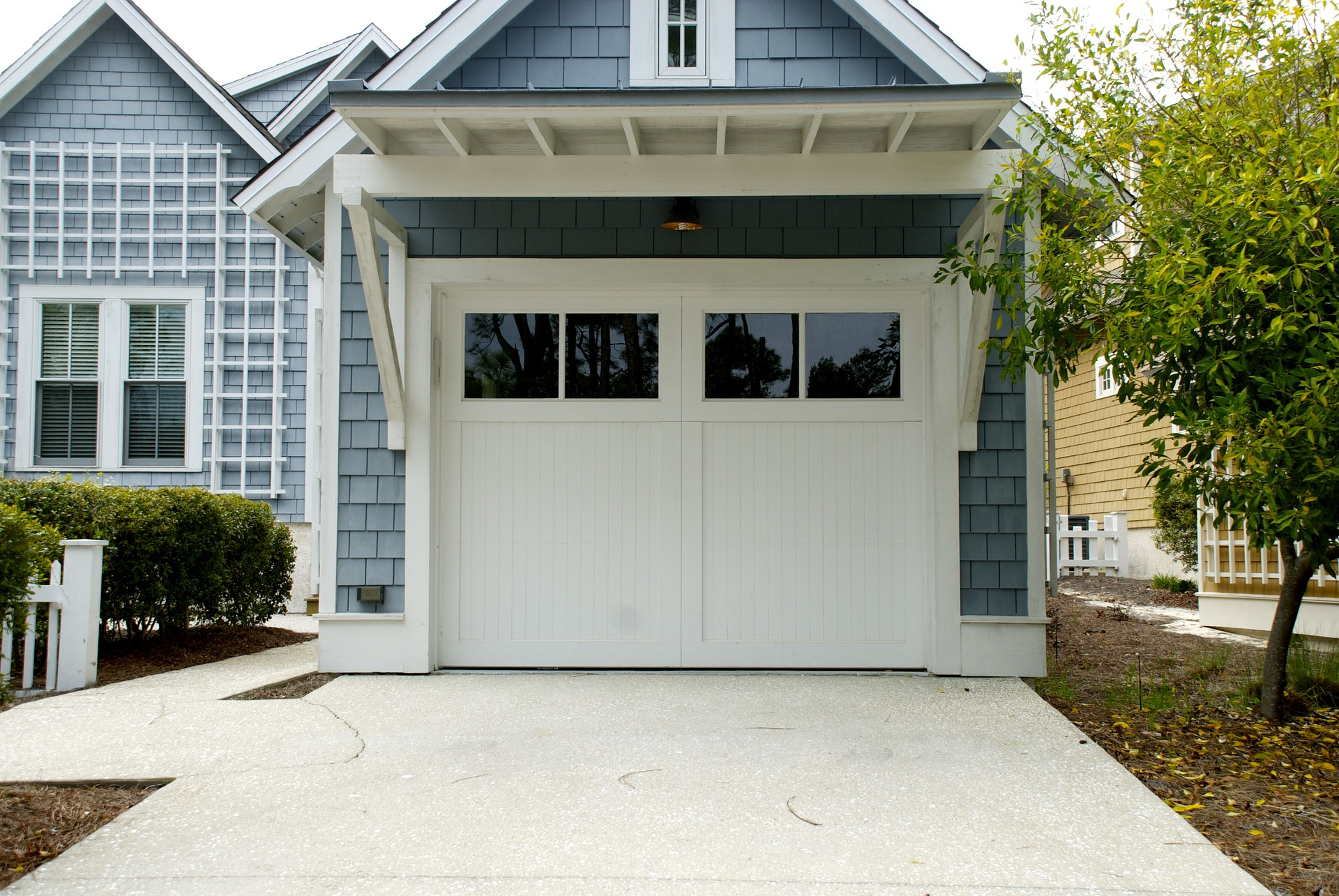 Garage Door Insulation in Santa Monica